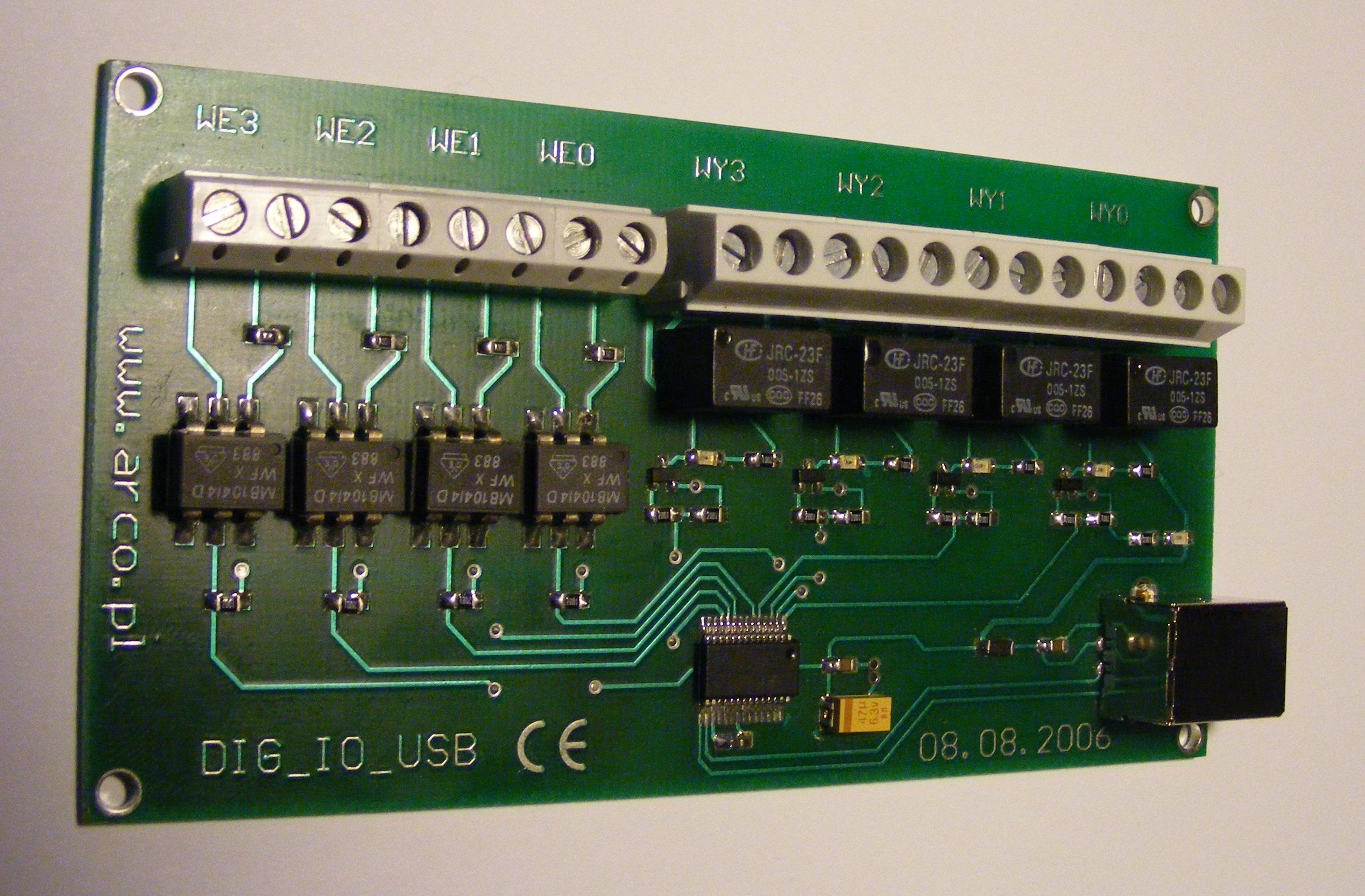 [Sprzedam] Modu� wej��-wyj�� cyfrowych z optoizolacj� sterowany przez port USB