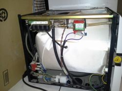 Autoklaw Euronda E4 PLUS - Niewyłączająca się pompa poboru wody