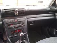 Audi A4 B5 1.8 - Płyn chłodniczy leje się z pompy wody. Gdzie jest czujnik temp?