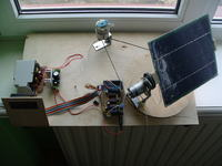 Solar pod��aj�cy za s�o�cem (sterowanie silnikami DC, arduinio-atmega