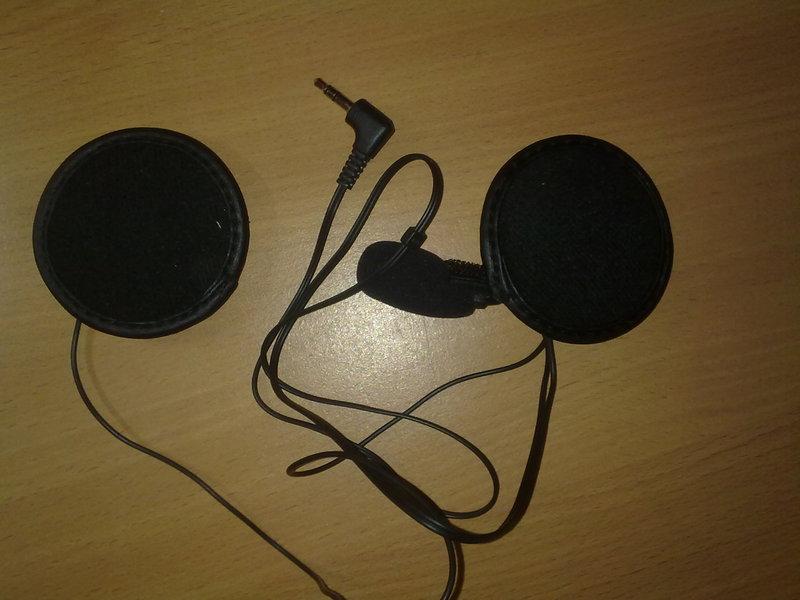S�uchawki mono z mikrofonem. Telefon nie wykrywa mikrofonu