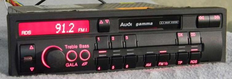 Radio,Audi,gamma - Dopiero po zwi�kszeniu g�o�no�ci lewa strona gra.