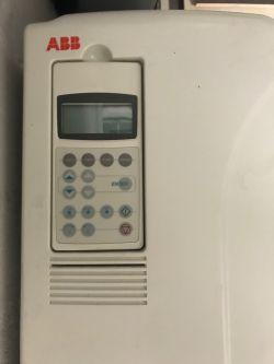 [Sprzedam]Falownik ABB ACS800