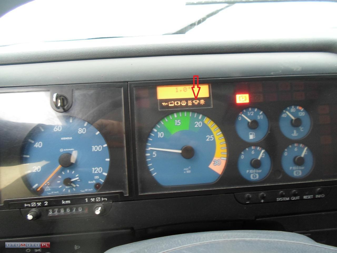 Mercedes - Oznaczenie kontrolki