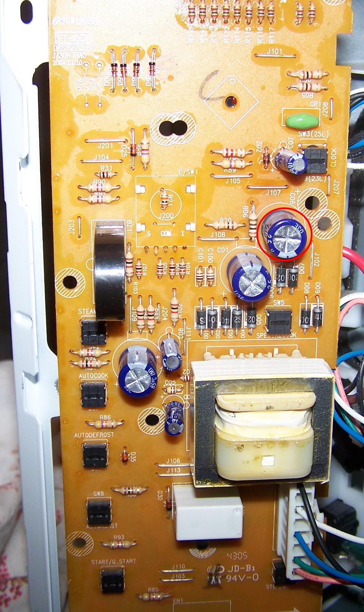 Kuchenka mikrofalowa LG MB-4384BC -niedzia�aj�cy wy�wietlacz