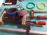 Przenośny głośnik Bluetooth wykonany z trójnika PCV