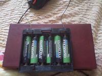 łączenie akumulatora z ładowarką