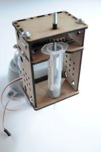Automatyczny dyspenser do pasty lutowniczej DIY
