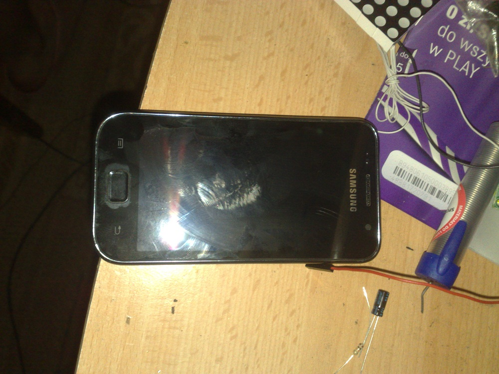 SGSCL - Samsung Galaxy I9003 SCL wy�wietlacz nie dzia�a po zalaniu.