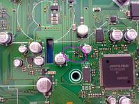 Alpine CDE-104BTi - Identyfikacja układu IC705