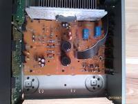 SU-V500 Czy te kondensatory są wylane?