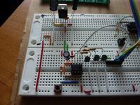 [ATTiny13][C] Przycisk + diody RGB = dziwne działanie