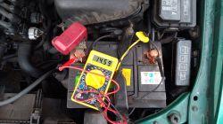 Toyota e11 problem z radiem - Wyłączające się radio...
