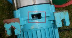 Omigena MH 1300 Inox - Podczas pompowania przecieka woda między pompą a silnikie
