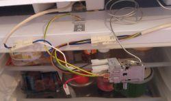 Lodówka Whirpool CB261W - Chłodziarka praktycznie nie chłodzi, zamrażarka tak.