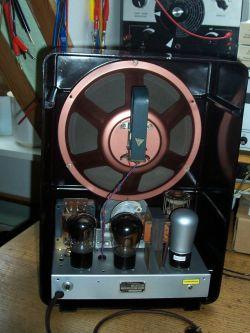 Odtworzenie starego niemieckiego radia.