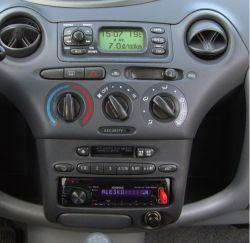 toyota yaris 1 - nowe radio