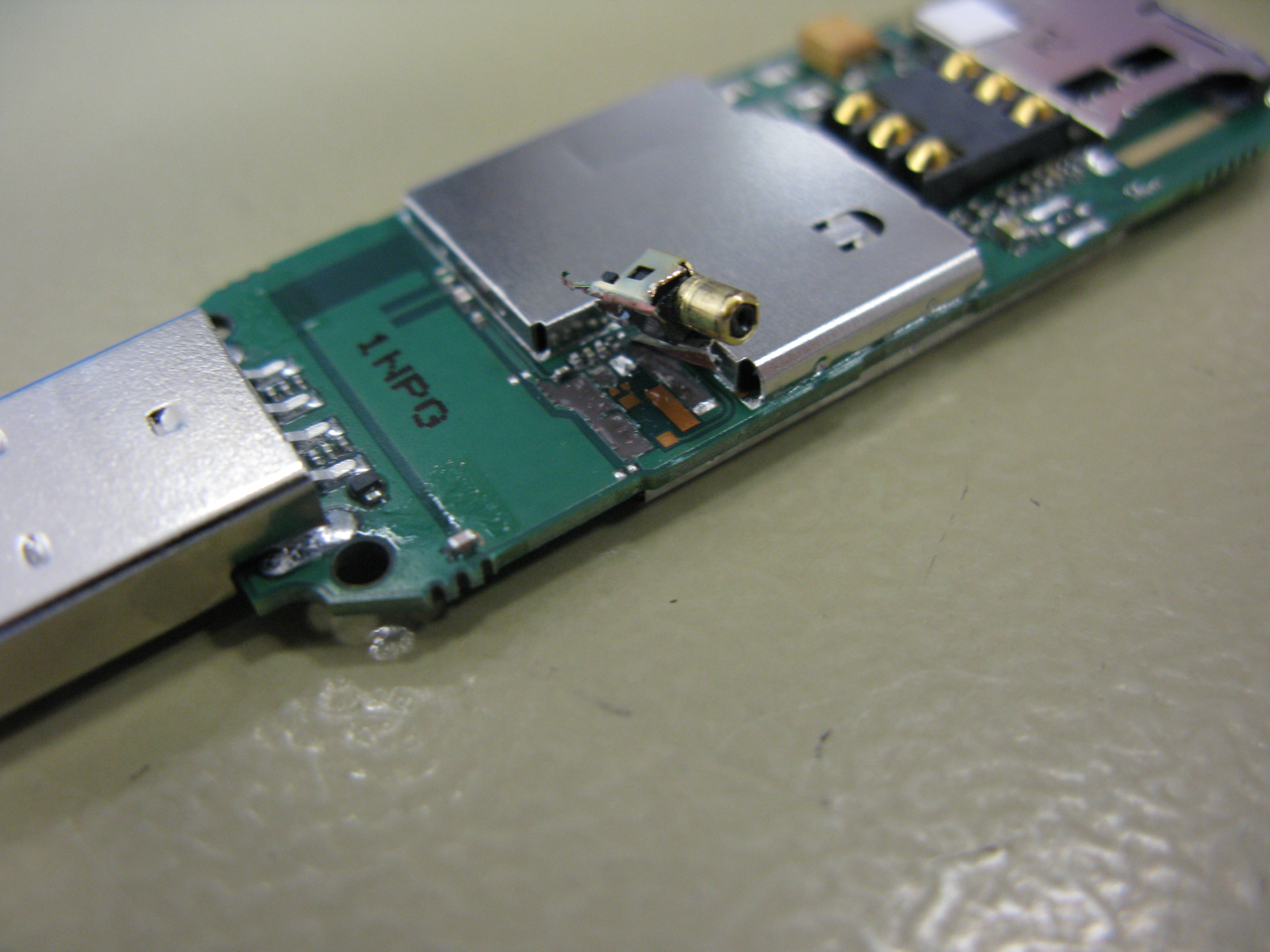 Huawei e3131 - wyrwane gniazdo w okolicy zl�cza RF
