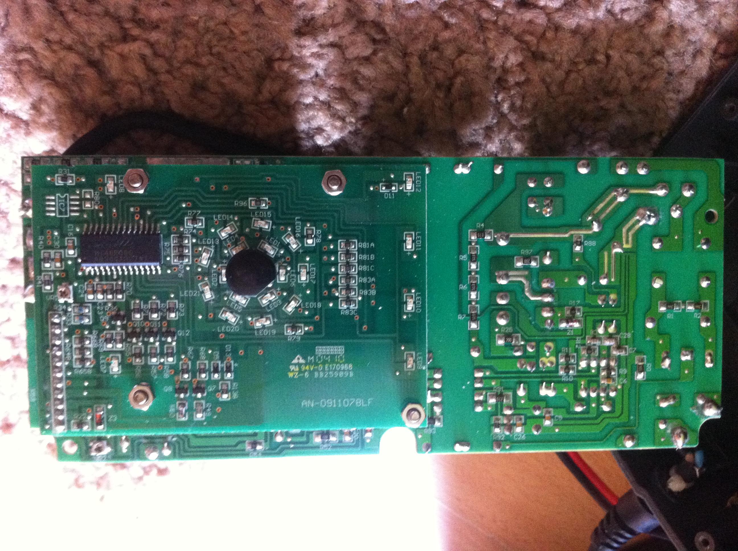 Bosch C7 - Prostownik Bosch C7 brak reakcji na zasilanie