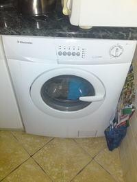 Electrolux EWF 1010 - zaczyna prać i za chwile kończy pranie