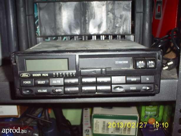 Ford 2006R - Jak moc takowego radia ?