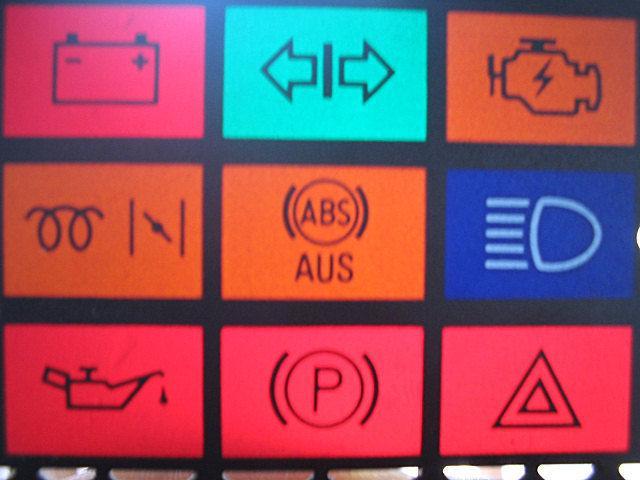 Deska rozdzielcza w Audi A4. 2005r.