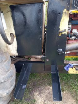 Ostrówek K162 - uszkodzony zbiornik oleju hydraulicznego