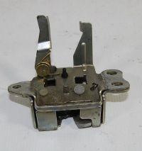Toyota Yaris I - Wymiana/podłączenie zamka klapy bagażnika