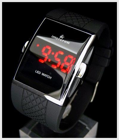 Zegarek LED WATCH ile działa?
