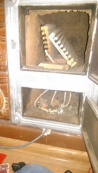 Ogrzewanie elektryczne pieca kaflowego w starej kamienicy