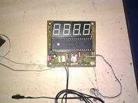 Prosty termometr jednouk�adowy z wy�wietlaczem LED