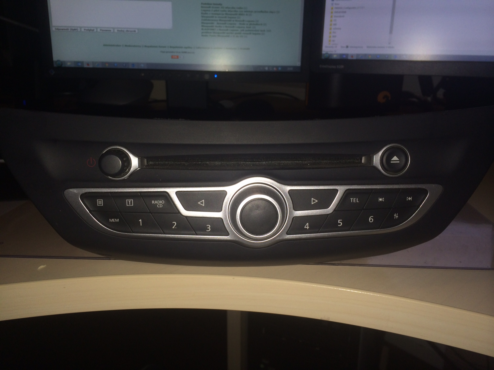 Renault/Laguna III - Nawigacja Tomtom Radio Blaupunkt szukam schematu wi�zki
