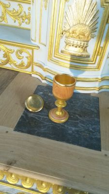 Re: Renowacja szafy dębowej- co zrobić, by przywrócić dawną świetność?