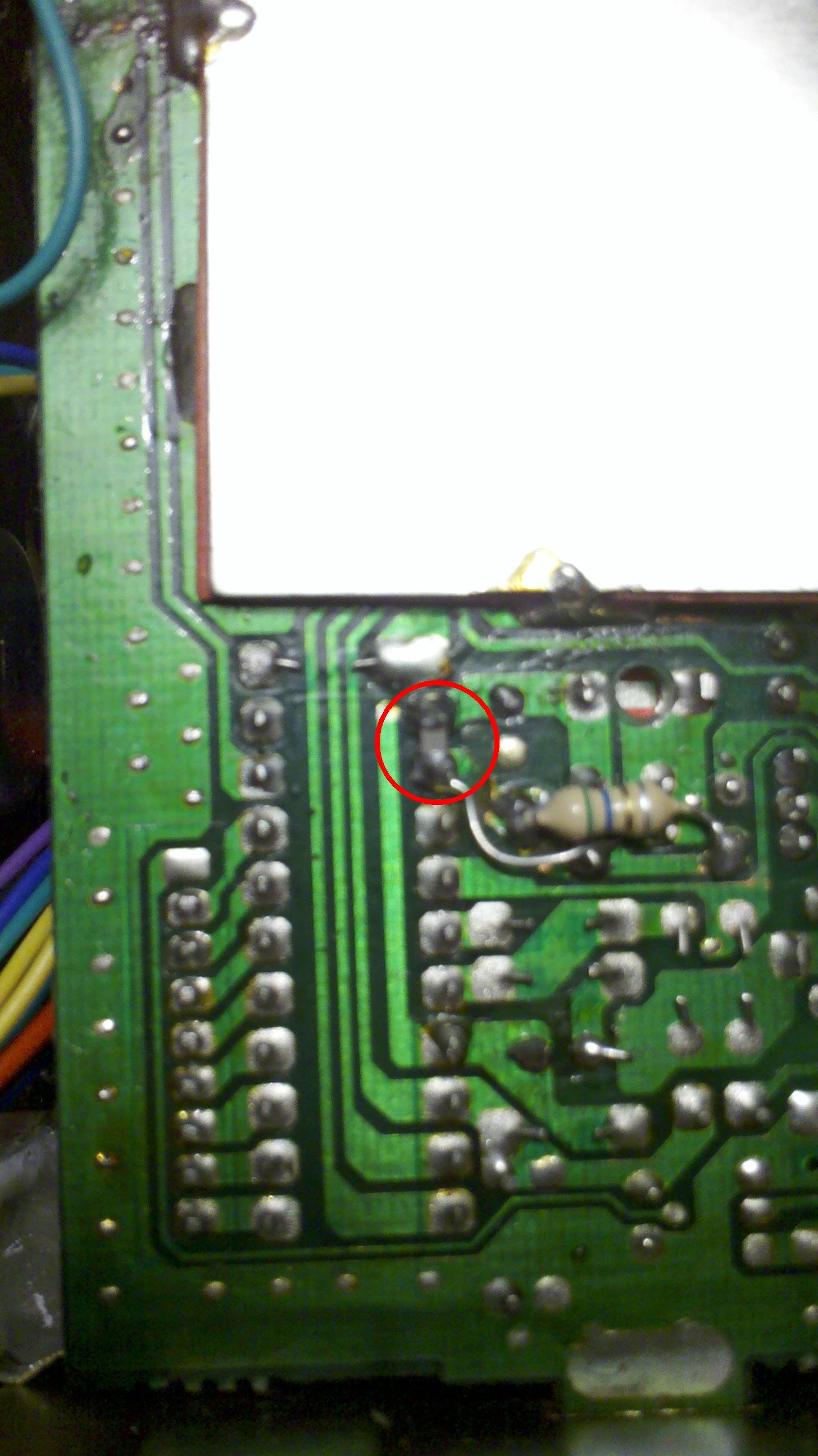 Radio CB DNT Carat - czy mo�na usun�� kondensator?