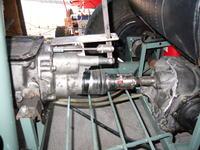 Fiat 126p - wyprowadzenie wa�ka ze skrzyni bieg�w