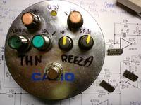 ReezaFRATzitz czyli fuzz do gitary na CD4069 (hex inverters)
