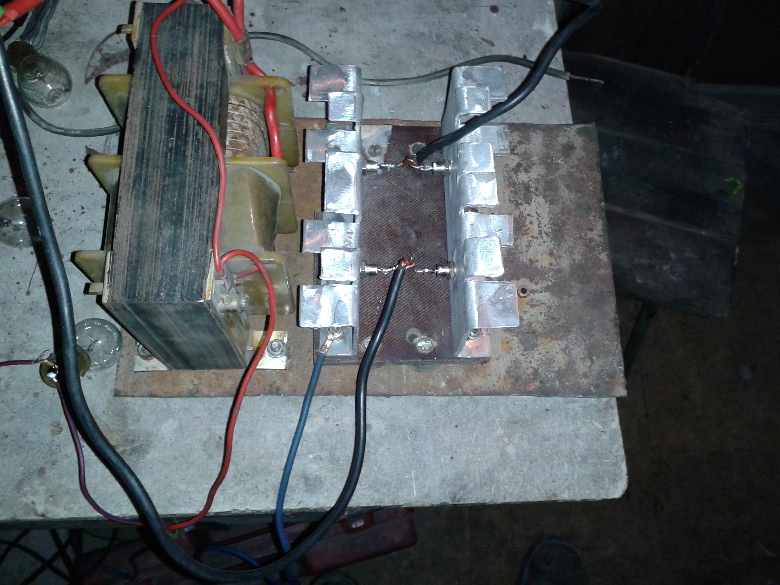 Transformator do prostownika samochodowego