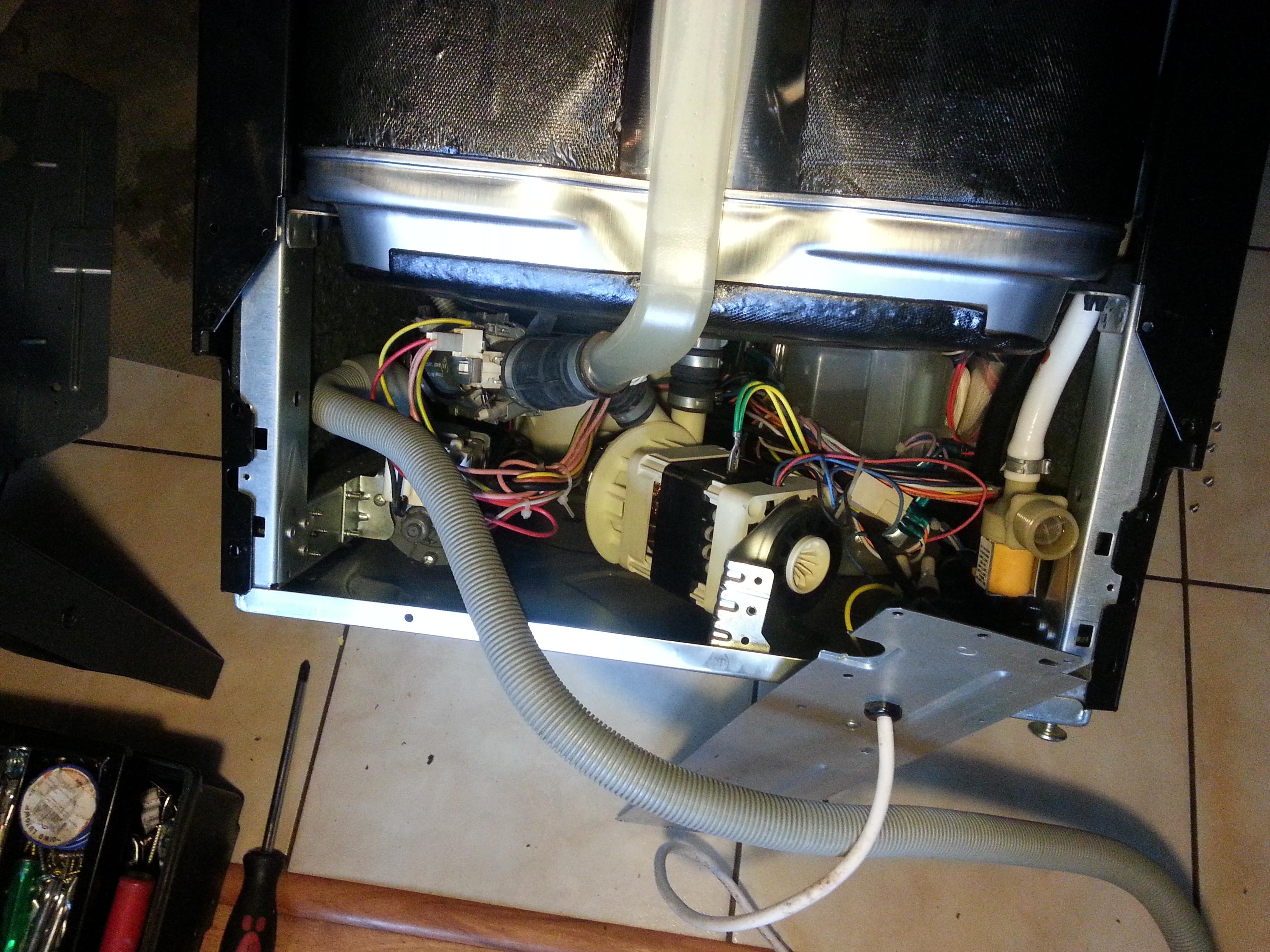 Mastercook ZBI-478 IT - Zmywarka nie wypompowuje wody B��d E1