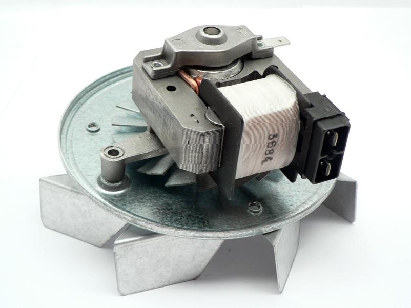 W Ultra Amica piekarnik, wentylator termoobiegu powinien wciągać? VN52