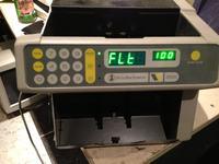 Liczarka DeLaRue 2520 - po liczeniu banknot�w wyskakuje komunikat