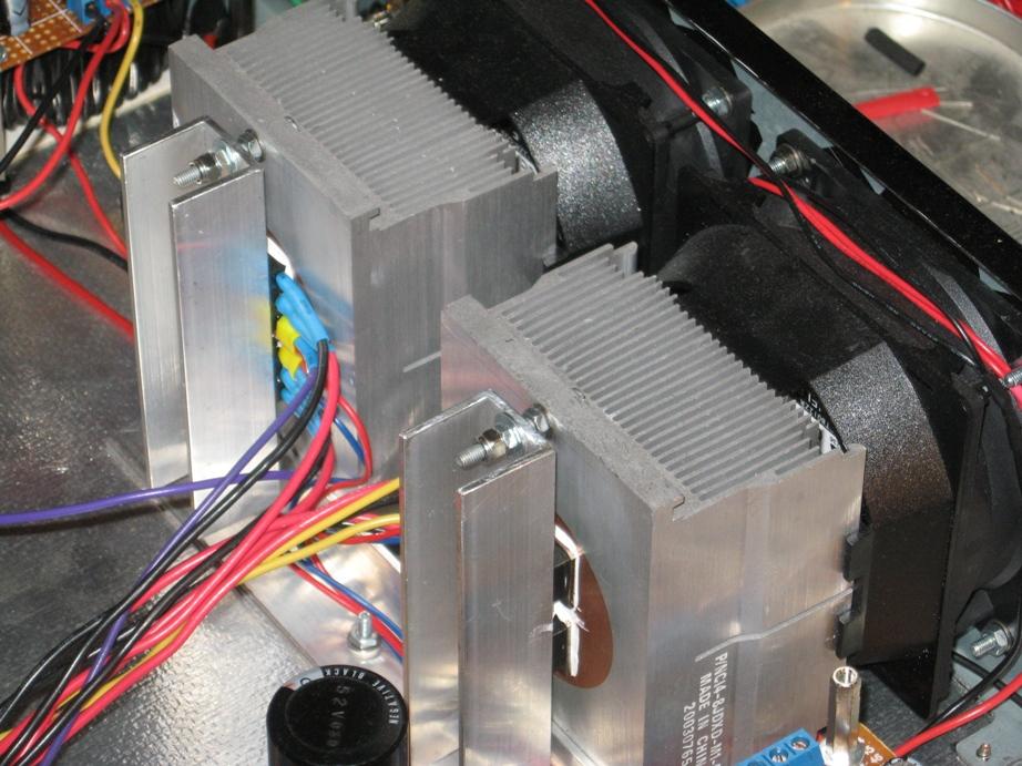 Nieprawid�owa praca tranzystor�w bipolarnych przy regulacji napi�cia 0-320V