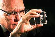 Pierwszy układ scalony TI zaprezentowano 53 lata temu