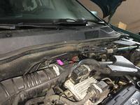 Astra II (G) jak przeprowadzić kable z wnętrza do silnika