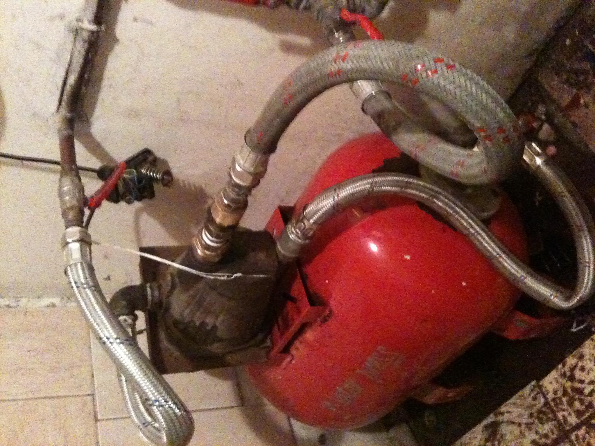 Stara pompa wody. Jak pod��czy�.