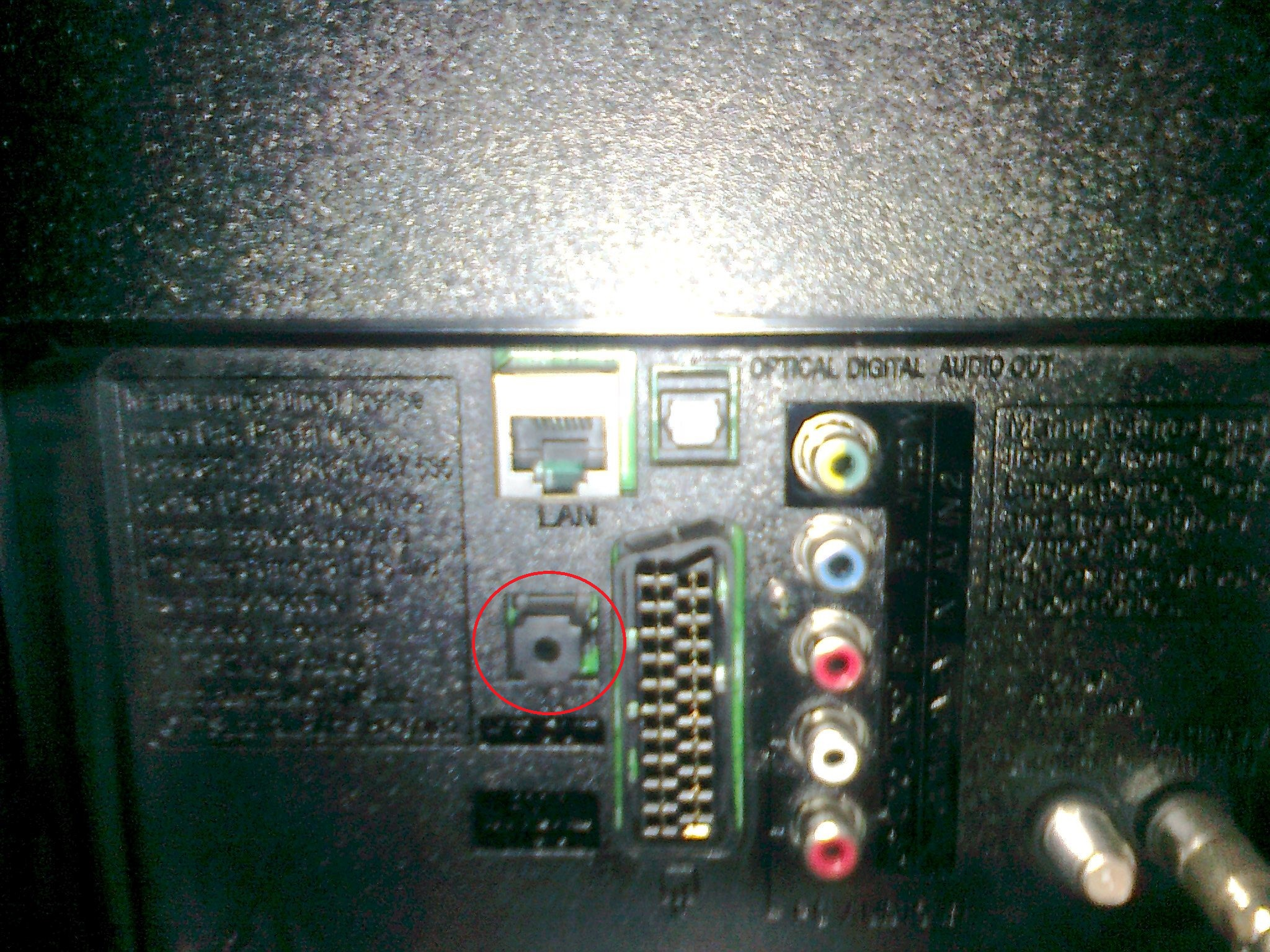 Dziwne wyj�cie audio w LG LA620S