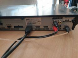 Buczenie głośników - Podłączenie HDMI oraz AUX