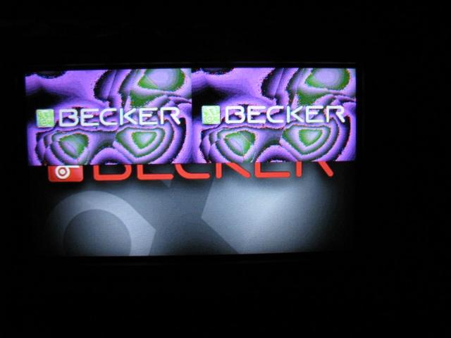 Nawigacja Becker Z100, nak�adka na ekranie startowym.