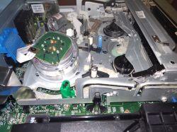 LG V192H - Magnetowid LG V192H nie wysuwa kasety