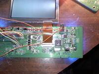 AEG 370 BT -na wyświetlaczu kolorowe pionowe linie