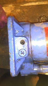 Podnośnik hydrauliczny nie podnosi pod obciążeniem